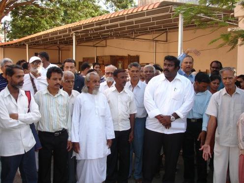 Ashok Anand with some anti-Ashram ashramites
